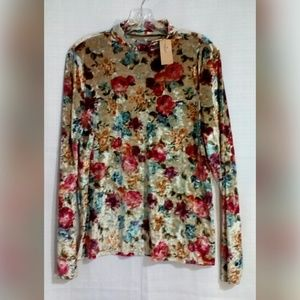 American Eagle Outfitters Tops - American Eagle Sz XL Top Soft And Sexy Floral